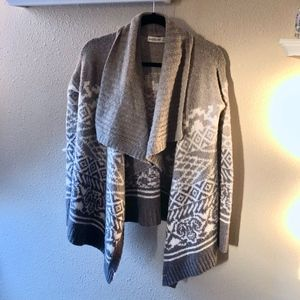ABERCROMBIE AND FITCH: KNIT GREY CARDIGAN
